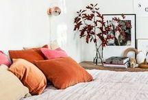 BEDROOM ORANGE / Wil je graag styling advies voor je slaapkamer, kom dan kijken op de website www.littledeer.nl #slaapkamer #bedroomideas #slapen #oranje #orange #bedroom