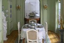 Salles à Manger / Intérieurs - meubles et accessoires miniatures pour maisons de poupées au 1/12ème
