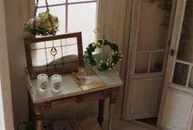 Hall - Entrée - Couloir & Palier / Intérieurs - meubles et accessoires miniatures pour maisons de poupées au 1/12ème