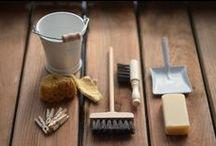 Ustenciles de Menage & Produits d'entretien / Cuvettes - seaux - pelles - brosses - balais - chiffons & plumeaux - poubelles -Miniatures 1/12ème - Maison de poupées