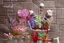 Fêtes & Anniversaires en miniature / Accessoires miniatures pour anniversaires & fêtes : Saint Valentin - Fête des mères, Fêtes des Pères, 14 juillet - Miniatures & maisons de poupées au 1/12ème