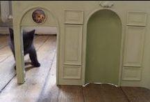 Les Chats et la Miniature / Ils sont partout chez eux.