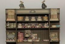 Tout pour les Boutiques - les Magasins & les Commerces / Matériels et Accessoires : Comptoirs - présentoirs - balances & caisses - Miniatures au 1/12ème - Maisons de poupées