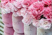 Flowers Make Me Happy <3 / by Layne Weichselbaum