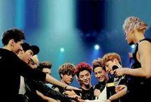 1 엑소 / Agency : S.M. Entertainment Origin : South Korea Genre : KPOP Debut : 2012 Members : Kim Jun Myun (김준면) - Suho (수호) Kim Min Seok (김민석) - Xiumin (시우민) Zhang Yixing (张艺兴) - Lay (레이) Byun Baek Hyun (변백현) - Baekhyun (백현) Kim Jong Dae (김종대) - Chen (첸) Park Chan Yeol (박찬열) - Chanyeol (찬열) Do Kyung Soo (도경수) - D.O. (디오) Kim Jong In (김종인) - Kai (카이) Oh Se Hun (오세훈) - Sehun (세훈) Wu Yifan (吴亦凡) - Kris (크리스) Lu Han (鹿晗) - Luhan (루한) Huang Zitao (黄子韬) - Tao (타오)  We Are One, We Are EXO!
