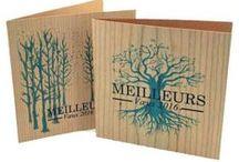 Démarquez-vous ! Cadeau personnalisable en bois ... / Le bois est une ressource naturelle et renouvelable qui investit de nombreux objets publicitaires éco-conçus : démarquez-vous avec des cartes, enveloppes, carnets ou agenda fabriqués avec du bois. Authenticité, durabilité et élégance entrent dans votre communication !