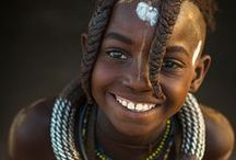 People smilling / One of the oddities of Pinterest is that i found real hard pictures of people that smile / laugh. The world needs more happy people .. Is it a coincidence that all who smile are from Africa? Did we forget to laugh?