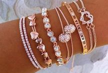 Jewelry / Amazing diamonds, crystals, emeralds and much more !!! /lnemnyi/lilllyy66/ Find more inspiration here: http://weheartit.com/nemenyilili/collections/22262382-like-a-lady