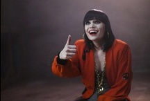 Jessie j / Jessica Ellen Cornish, known by her stage name Jessie J (London, 27 March 1988), is a British singer-songwriter