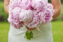 It's a Bouquet Thing / wedding bridal and bridesmaids bouquets  / by The Hidden Garden