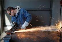 Kone- ja metalliala / Kone- ja metallialalla voit opiskella levyseppähitsaajaksi, konenasentajaksi ja koneistajaksi.