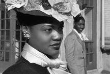 ツ I was shot by HENRI CARTIER-BRESSON [Photographer] / The master of reportage photography during the XX century.