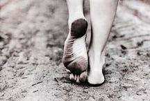 WALKS BAREFOOT / Wild and peaceful