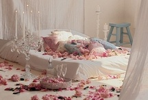 Beautiful Bedrooms / by ♥ Nikkers