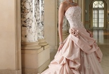 Dresses I adore! / by ♥ Nikkers
