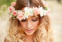 Flower crowns / Beautiful bridal crowns with natural flowers in all colors and styles
