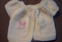 Knitting patterns / Knitting for 2 year old in fuzzy wuzzy wool - bolero with short sleeves