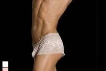 Lingerie homme en dentelle / Des slips, strings, jockstrap, boxer en dentelle pour les hommes