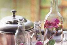 aromaterapia | aromatherapy / Aromaterapia je prírodná medicína, ktorá na liečbu fyzických a psychických ťažkostí využíva prírodné vône - éterické oleje. Pomáha chorobám predchádzať, pôsobí relaxačne na telo aj myseľ a skvele uvoľňuje po dňoch plných stresu. Čisté 100% éterické oleje pôsobia na nervový systém, podporujú samoliečiteľské schopnosti človeka, vplývajú na jeho psychiku, ktorá pri zotavovaní sa zohráva dôležitú úlohu.