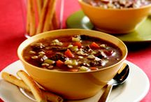 {soup} / Hearty soup recipes to keep you warm during the cold days!