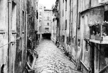 Old Bologna / Bologna, old beautif city / by La Gaiana Bed and Breakfast Location per matrimoni