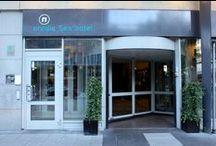 Bästa hotellen / Här tar vi med några av Stockholms bästa hotell. Vi kommer också för jämförelse ta med lite internationella höjdare - riktiga lyxhotell av rang i USA, Karibien och Asien. Njut av våra bilder och kanske - boka ett lyxigt hotell i Stockholm eller någon annanstans i världen.