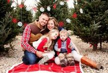 Holiday Family Photo Ideas :: Picr / Tis' the season for those yearly family photos! Here are some great holiday themed ideas to get your creative juices flowing.