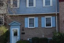 12735 Lighthouse Lane, Woodbridge, VA 22192 / 3 Bed Townhouse for Sale in Lake Ridge! 3 Finished levels, new carpeting, fresh paint, new custom deck & newly fenced rear yard! Walk to historic town of Occoquan & commuter lot. Perfect location! $279,990