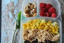 Lunch & Snack Organization / Weekly lunches organization ideas and tips to ensure you have organized weekly lunches for your family.