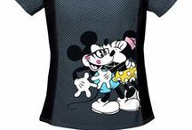 Mickey Mouse Scrub Tops / Being that Mickey Mouse is a classic character, nurse men and nurse women alike have so many options in the world of Mickey Mouse nursing scrubs! Look good and feel your best in a super fabulous Mickey Mouse scrub top today!