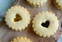 Love Me Some Cookies! / by Carol Bradfield