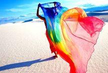 Color...es / by Gabriela Correa Willes