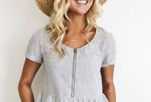 Mom Style / Comfortable, stylish and fun outfits for mama! Nursing outfits, casual mom outfits, pretty outfits for moms!