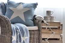 poufs, pillows & cushions