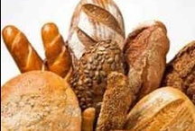 Breadmaking at home / There is nothing like baking your own bread at home and waking up to the delicious smell of fresh bread baked in your own kitchen every day. Check out some of my favorite breadmaker recipes and best breadmakers on the market