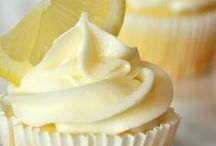 Cupcakes / Homemade cupcakes that taste great!  No food dyes, artificial flavorings or boxed mixes here.