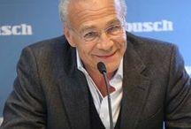 Klaus J. Behrendt für Walbusch / Klaus J. Behrendt, Schauspieler und bekannter Fernsehkommissar, stellt als Walbusch-Markenbotschafter seinen modischen Spürsinn unter Beweis. Wichtigstes Indiz: gute Hemden und gute Outfits. Aber sehen Sie selbst: