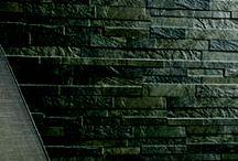"""Tegelhuys ☼ Kwartsiet vloeren tegels / tiles / Kwarsiet vloeren zijn gewild om hun mooie kleurschakeringen. Het is echter nogal ruw en daardoor minder gemakkelijk in onderhoud. De prachtige keramische look-a-like tegels ogen grof, maar zijn het niet. Prachtig voor wie van een """"stoerdere"""" vloer houdt. Kwartsiet vloeren zijn er in vele kleuren, veel wit, geel, beige, grijsnuances tot in-zwart. Ook hebben de tegels vaak lichte glinstering, net als echte kwartsiet. De tegels zijn er in vele maten, waaronder mooie modules."""
