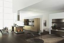 Metal finishes in the kitchen / Warm and luxurious, metallic finishes will bring a sophisticated glamour to the kitchen