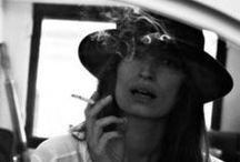 ⋆❋ Caroline de Maigret
