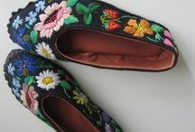 SHOES,DIY tutorials, custo   / Tous les tutos pour faire ou customiser des chaussures, chaussons, espadrilles etc ..