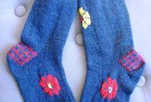 My knitted socks / Mes créations de chaussettes  SOURCE : http://joline.over-blog.com/tag/la%20saga%20des%20chaussettes/