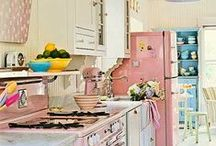 cute interiors ideas / i love anything colourful and eclectic