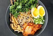 Comidinhas / Porque a beleza do prato é oque desperta a beleza de sentir fome. / by Monique Barbosa