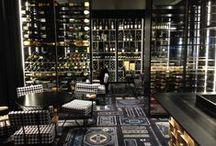 Le style Pléthore & Balthazar / Pléthore & Balthazar, le restaurant et bar à vins à l'atmosphère singulière et intimiste. Il se démarque grâce à un style unique, propice aux instants de détente et de convivialité.