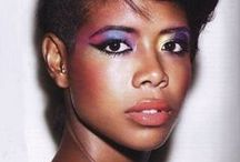 Color Block Makeup / Create an eye-popping look by color blocking your makeup.