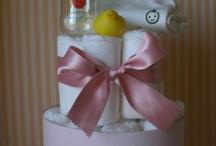 Mis tartas de pañales / En Petit Ecochic confeccionamos tartas de pañales, con productos naturales que respetan la piel del bebé.