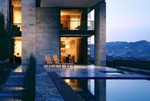 Modern Architecture//Homes / by Ellie Ballinger