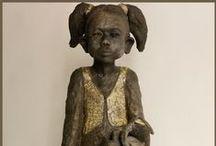 ceramiste Joelle Gervais / sculpture en céramique raku par Joelle Gervais ..   une grande artiste   ... qui  de ses mains  fait naitre  de si beaux personnages ...  merci Joelle  c'est ton travail qui m' a fait découvrir et aimer la céramique ....