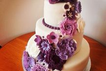 Flower Wedding Cakes / Wedding cakes and sweets decorated with edible flowers.